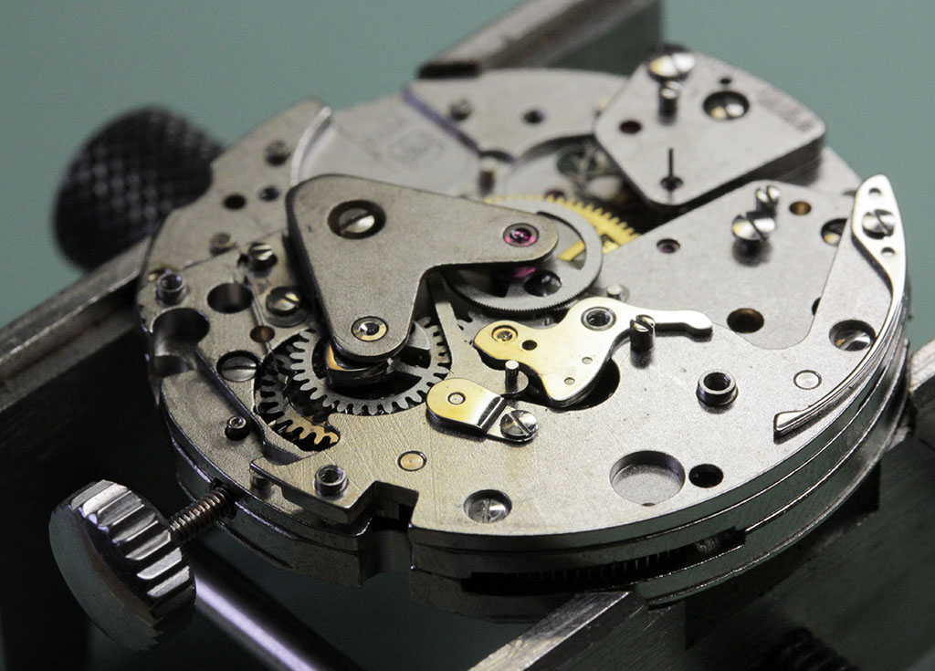 Re-assembly of the chronograph mechanism